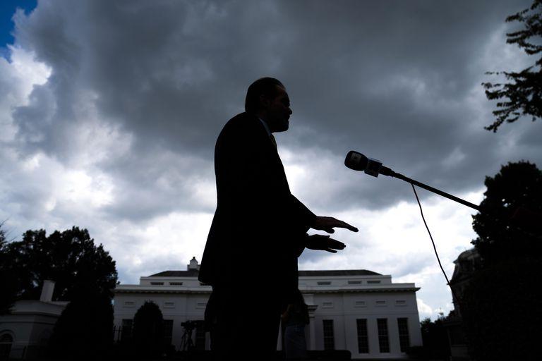 El candidato de Donald Trump a la presidencia del BID, Mauricio Claver-Carone, el 14 de agosto en la Casa Blanca.