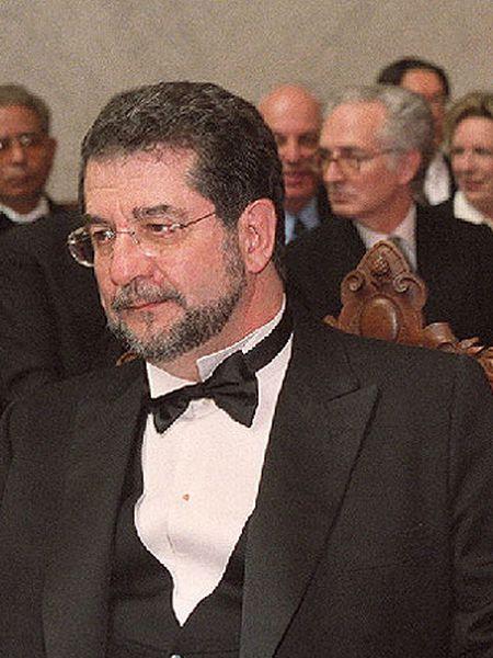 José A. Pascual (Salamanca, 1942).