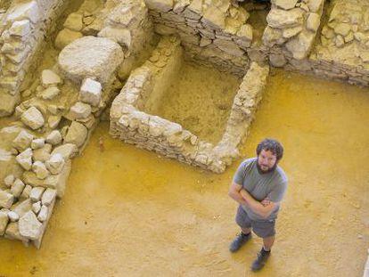 El arqueólogo Sergio García-Dils, en las excavaciones de Écija.
