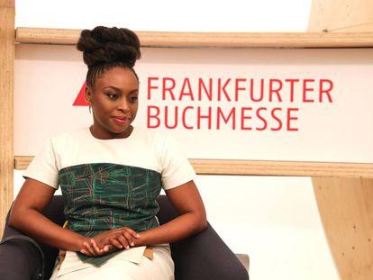 La autora Chimamanda Ngozi Adichie en la presentación ayer de la 70º Feria Internacional del Libro de Fráncfort.