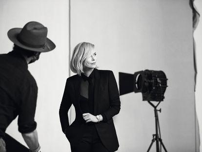 La actriz sudafricana Charlize Theron, durante el rodaje de la campaña Spotlight Squad de Breitling, un proyecto centrado en la relación entre cine y filantropía.