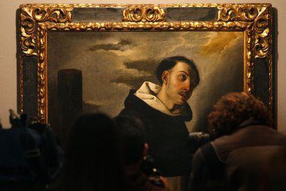 El cuadro <i>Beato Tomás de Zumárraga,</i> de Francisco de Zurbarán, ayer en el Centro Cultural Cajasol, en Sevilla.