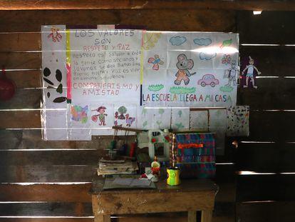 01/0/21. (DVD 1042) Una clase en  Alta Verapaz antes de reabrir tras la pandemia en Guatemala. Jaime Villanueva.