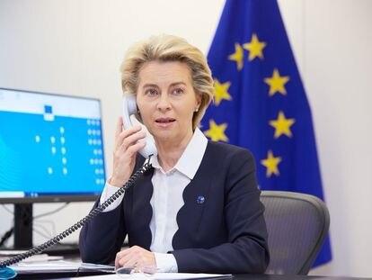La presidenta de la Comisión Europea, Ursula von der Leyen, habla por teléfono este sábado con el primer ministro británico Boris Johnson para activar la negociación del Brexit.