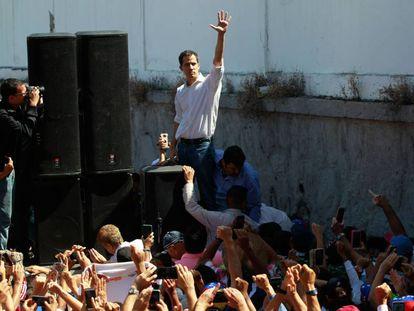 El presidente de la Asamblea Nacional de Venezuela, el opositor Juan Guaidó, en un cabildo abierto.