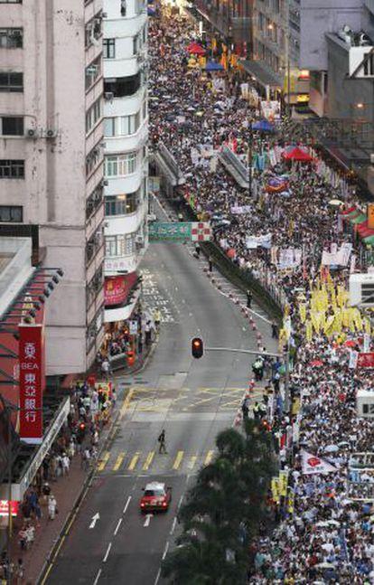 La manifestación, en su transcurso por el centro de Hong Kong.