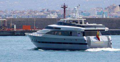 Imagen sin datar del Fortuna entrando en el puerto de Palma.