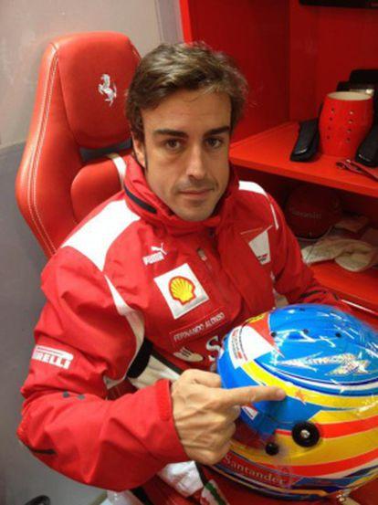 Alonso muestra la estrella para María de Villota