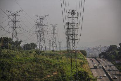 Torres de transmisión de la empresa eléctrica brasileña Eletrobras en Río de Janeiro, el 21 de mayo de 2021.