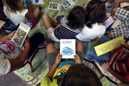 Alumnos de un colegio público de Valencia, en una clase de inglés.