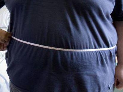 Un estudio constata también que el exceso de peso en hombres duplica la probabilidad de que desarrollen tumores