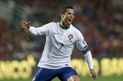 Ronaldo celebra su tanto a Armenia.