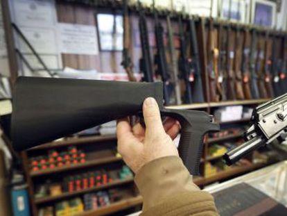 Acusado de pasividad ante las matanzas, el presidente lanza una propuesta que no hubiese evitado el tiroteo de Florida