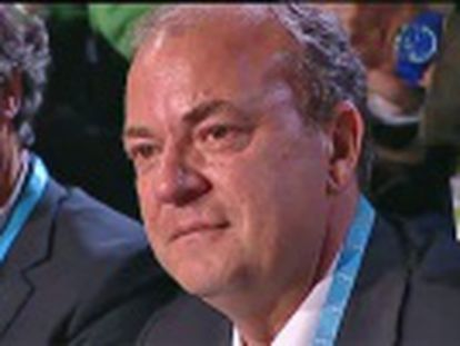 El secretario general del PP de Extremadura, Fernando Manzano, asegura que el político seguirá en el cargo  pese a quién le pese