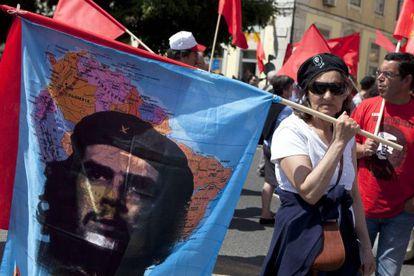 Portugueses protestan contra la visita de la 'Troika'.