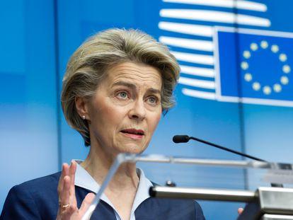 La presidenta de la Comisión Europea, Ursula von der Leyen, en una rueda de prensa el pasado 26 de febrero.