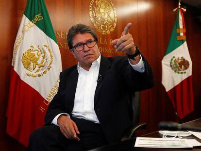 El coordinador de senadores de Morena, Ricardo Monreal, en la Cámara alta.