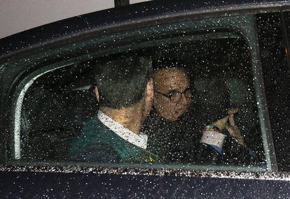 Mario Conde, sale detenido de su domicilio.
