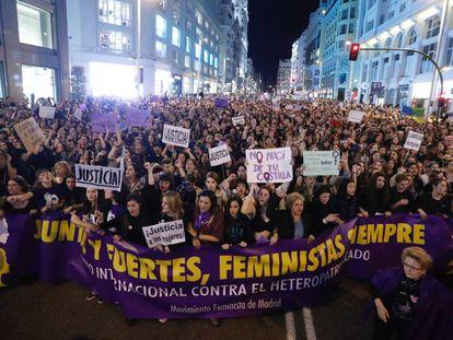 Manifestación por el Día Internacional de la Mujer en la Gran Vía el 8 de marzo de 2017.