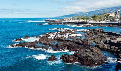 El mar, en Puerto de la Cruz, desde la Punta del Viento.