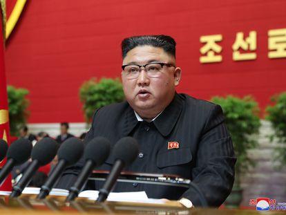 El líder norcoreano, Kim Jong-un, en la inauguración del VIII Congreso del Partido de los Trabajadores de Corea.