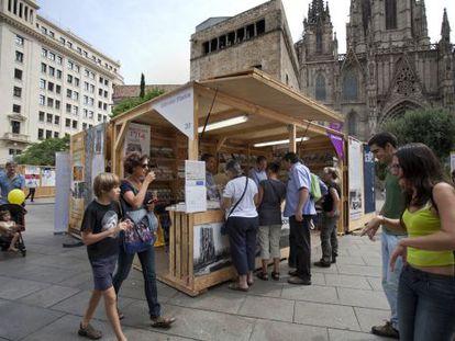 La Setmana del Llibre en Català se celebra en la plaza de la Catedral.