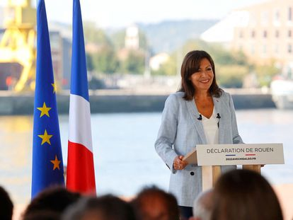 The mayor of Paris, member of the French Socialist Party (Parti Socialiste - PS) Anne Hidalgo speaks in Rouen, western France, on September 12, 2021 as she announced that she plans to stand as a PS candidate in next year's presidential elections. (Photo by Thomas SAMSON / AFP)