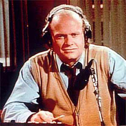 El protagonista de <i>Frasier</i>, en el consultorio radiofónico de la serie.