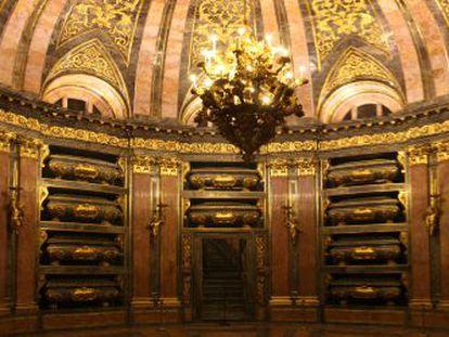 El Panteón de Reyes del monasterio del Escorial albergará los restos de los padres del rey Juan Carlos junto a los de 24 monarcas.