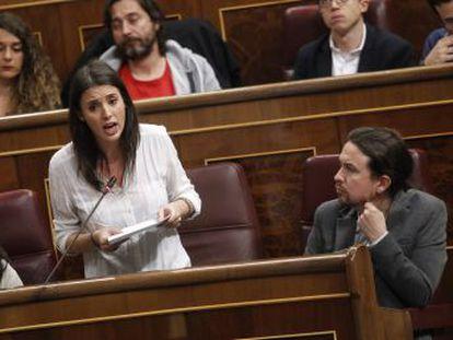 No debería escandalizar que los líderes de Podemos se compren un chalé en la sierra, salvo a ellos mismos