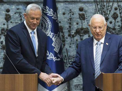 El líder centrista Benny Gantz (izquierda) y el presidente de Israel, Reuven Rivlin, en octubre en Jerusalén.