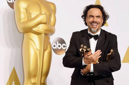 Alejandro González Iñárritu y sus tres 'oscars' por 'Birdman': Mejor Película, Mejor Director y Mejor Guion.