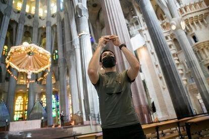 La Sagrada Familia ha vuelto a abrir las puertas al publico este fin de semana después de siete meses cerrada.