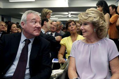 La presidenta de Madrid, Esperanza Aguirre y el de Murcia, Ramón Luis Valcárcel, en 2010.