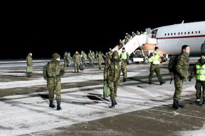 El destacamento español Ambar, a su llegada a la base aérea de Ämari (Estonia).