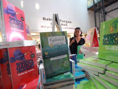 Ejemplares de García Márquez en la Feria del Libro de Bogotá.