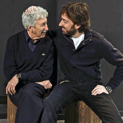 José Ramón Sánchez (a la izquierda) continúa dibujando y es el talismán de su hijo, el director de cine Daniel Sánchez Arévalo.