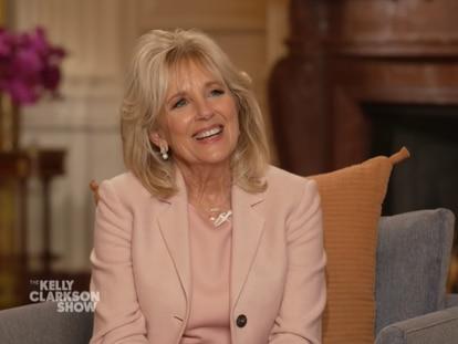 Jill Biden, durante la entrevista con Kelly Clarkson para NBC.