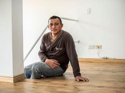 Eduardo Rodríguez, ayudante de obra venezolano de 42 años, en Bogotá.