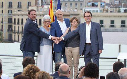 De izquierda a derecha Junqueras, Casals, Romeva, Forcadell y Mas.