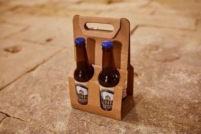 La Fundación Rioseco se financia con aportaciones ciudadanas, campañas de micromecenazgo y pequeños artículos de elaboración propia. En la imagen, la cerveza artesanal que fabrican y comercializan, una bebida que contribuye a poner en el mapa el nombre del monasterio y la región.