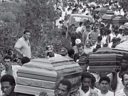 El documental acompaña a Jesús Abad Colorado, el fotógrafo que mejor ha retratado el conflicto armado. La producción está disponible en Netflix