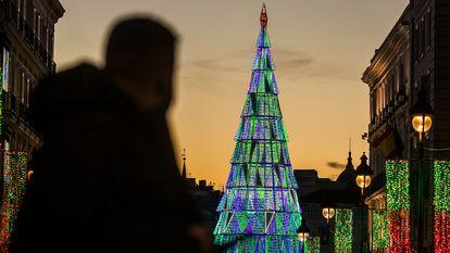 Luces de Navidad, en el centro de Madrid este miércoles.