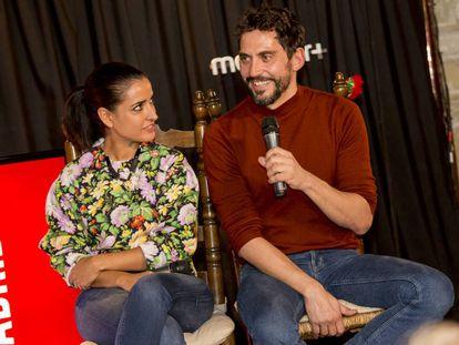 Inma Cuesta y Paco León, durante la presentación de la serie 'Arde Madrid'.