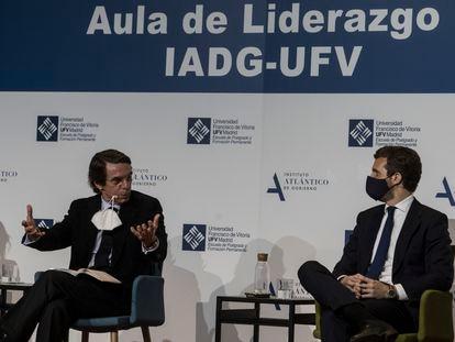 El expresidente Jose María Aznar durante una charla en la Universidad Francisco de Vitoria (Pozuelo de Alarcón, Madrid) a la que ha asistido como ponente Pablo Casado.
