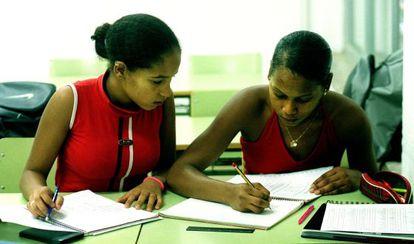 Alumnas inmigrantes en el instituto Eugeni D'Ors de Badalona