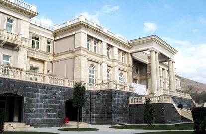 La residencia en el conocido como Cabo Idokopás. Fotografiada por el activista ecologista Dmitri Shevchenko en 2011.