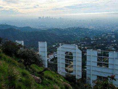 La ciudad de Los Ángeles, vista desde el cartel de Hollywood.
