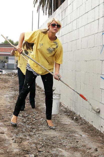 Paris Hilton comienza las horas de servicio comunitario a las que está condenada por posesión de drogas