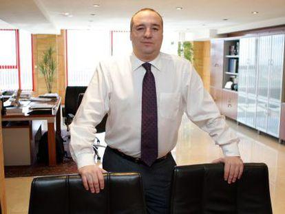 El presidente de la UD Las Palmas, Miguel Ángel Ramírez, en su despacho, en una imagen de archivo.